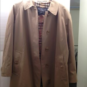 Burberry vintage Burberrys trench coat tan
